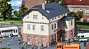 Faller 130457 OO/HO Scale Model Kit TOWN HALL WITH SCHOOL