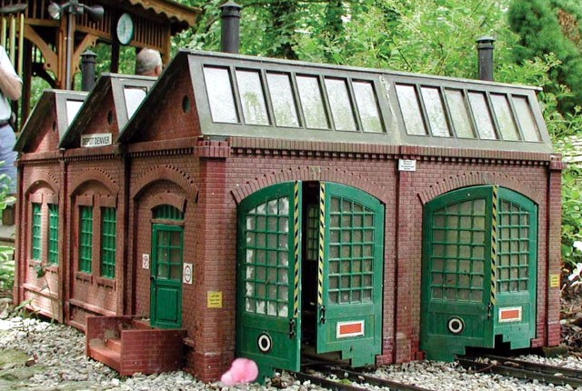 Piko 62001 Double Engine Shed G Scale Building Kit - TopSlots n Trains