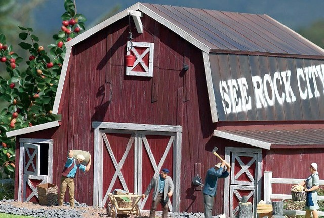 Piko 62110 American Barn G Scale Farm Buildings At