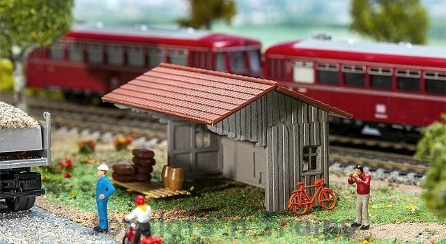 Faller Woodshed 130185 Small Wooden Shed OO/HO Scale at TopSlots