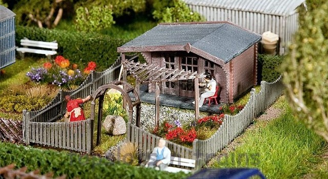 Faller 180491 OO/HO Scale Model Kit - ALLOTMENT WITH SUMMERHOUSE III