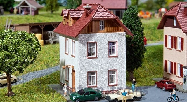 Faller 232329 N Scale Model Kit - 2 STOREY HOME - DETACHED