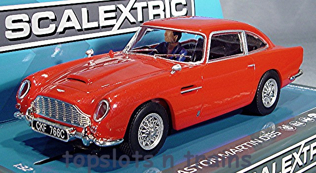 Scalextric C3722 - ASTON MARTIN DB5 RED ROAD CAR