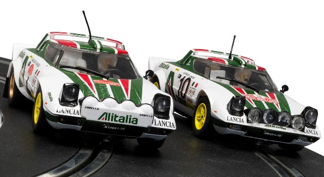 Scalextric C3894A Limited Edition - LANCIA STRATOS RALLY CHAMPIONS TWIN SET 1976
