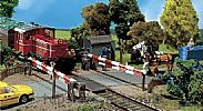 Faller 120173 OO/HO Scale Model Kit GUARDED LEVEL CROSSING - WITH GATEKEEPERS HOUSE