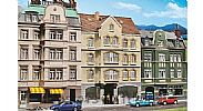 Faller 130447 OO/HO Scale Model Kit TOWNHOUSE WITH PUB