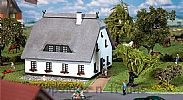 Faller 130550 OO/HO Scale Model Kit NORTH GERMAN HOLIDAY HOUSE