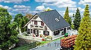 Faller 130640 OO/HO Scale Model Kit RENOVATED DETACHED FAMILY HOUSE