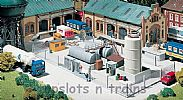 Faller 180433 OO/HO Scale Model Kit INDUSTRIAL METAL FENCING - OVERALL LENGTH 1010 mm