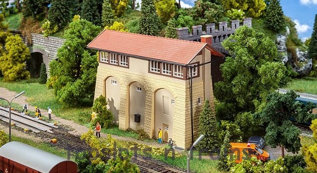 Faller 120103 OO/HO Scale Model Kit - SIGNAL TOWER WITH SANDSTONE BASE