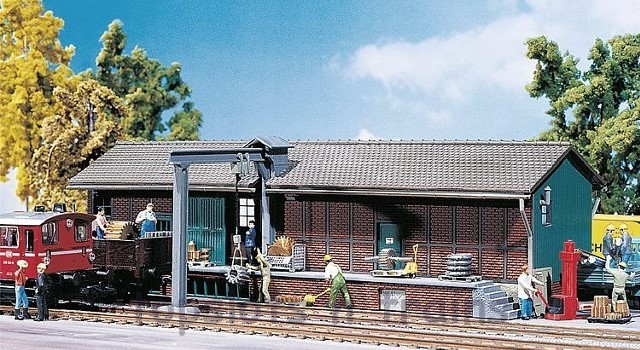 Faller 120152 OO/HO Scale Model Kit - WAREHOUSE / STORAGE SHED - WITH ATTACHED CRANE
