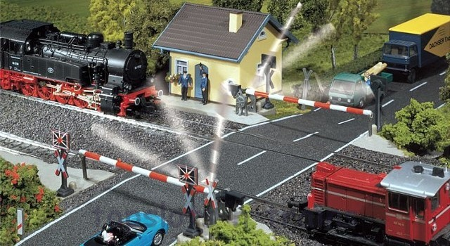 Faller 120171 OO/HO Scale Model Kit - PROTECTED LEVEL CROSSING