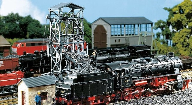 Faller 120220 OO/HO Scale Model Kit - COAL LIFT - WITH ATTACHED ENGINE HOUSE