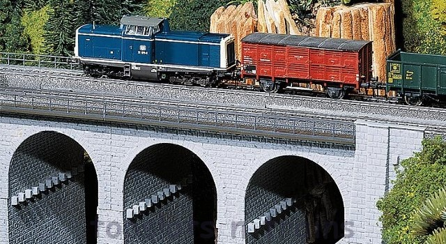 Faller 120478 OO/HO Scale Model Kit - TOP SECTION OF STONE VIADUCT - CURVED