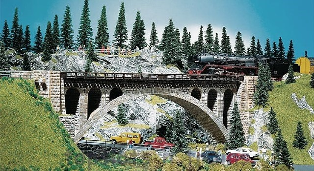 Faller 120533 OO/HO Scale Model Kit - STONE ARCH BRIDGE