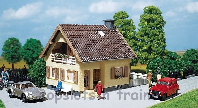 Faller 130205 OO/HO Scale Model Kit - ONE FAMILY DETACHED HOUSE
