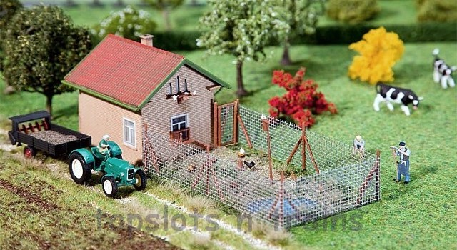 Faller 130328 OO/HO Scale Model Kit - HENHOUSE WITH CHICKEN RUN