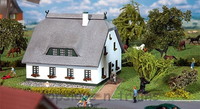 Faller 130550 OO/HO Scale Model Kit - NORTH GERMAN HOLIDAY HOUSE