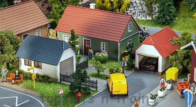 Faller 130622 OO/HO Scale Model Kit - 2 X DOMESTIC GARAGES