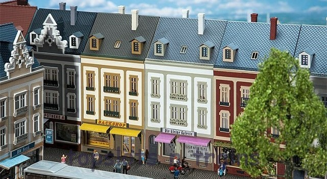 Faller 130702 OO/HO Scale Model Kit - BEETHOVENSTRASSE TERRACED HOUSES WITH SHOPS X 2