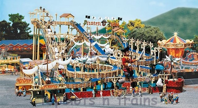 Faller 140430 OO/HO Scale Fairground Model Kit - WHITEWATER PIRATE ISLAND - LOG FLUME – FUNCTIONING