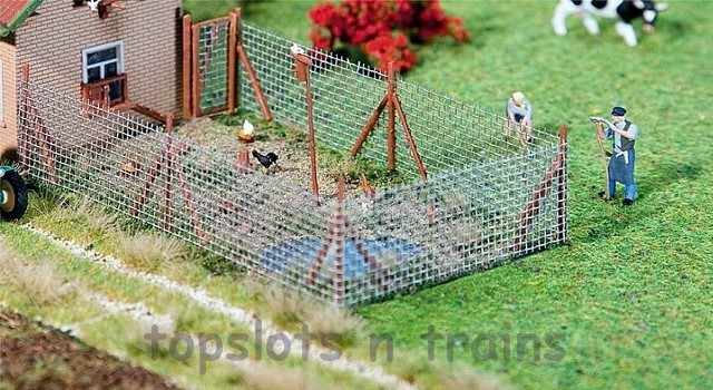 Faller 180414 OO/HO Scale Model Kit - WIRE MESH FENCE WITH WOODEN POSTS - 340 mm