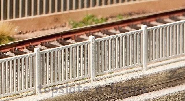 Faller 180428 OO/HO Scale Model Kit - MODERN FENCING - OVERALL LENGTH 1242 mm
