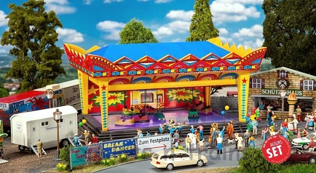 Faller 190074 OO/HO Scale Fairground Model Kit - PROMOTIONAL ACTION SET VILLAGE FUNFAIR
