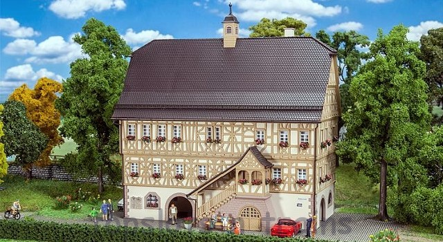 Faller 191728 OO/HO Scale Model Kit - SINDELFINGEN HALF-TIMBERED HOUSE