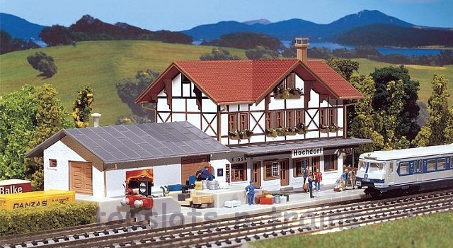 Faller 212106 N Scale Model Kit - HOCHDORF STATION - WITH PLATFORM AND GOODS SHED