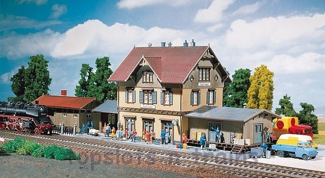 Faller 212107 N Scale Model Kit - GUGLINGEN TRAIN STATION - WITH GOODS SHED