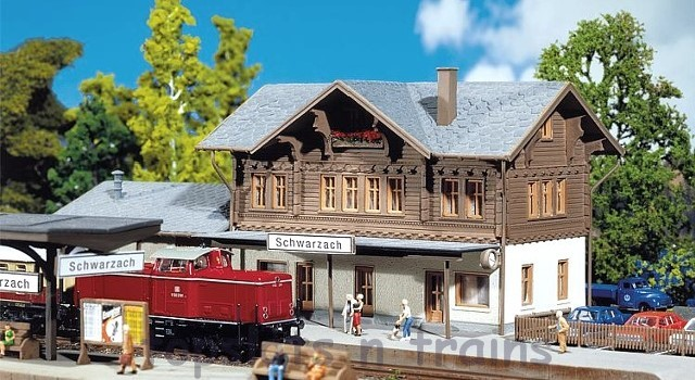 Faller 212108 N Scale Model Kit - SCHWARZACH STATION - WITH ANNEXED GOODS SHED