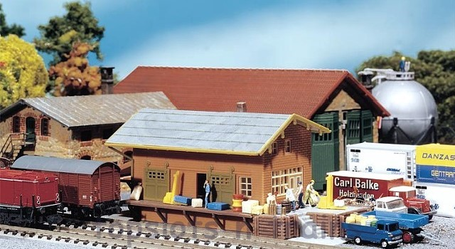 Faller 222117 N Scale Model Kit - GOODS DEPOT - WITH LOADING RAMPS