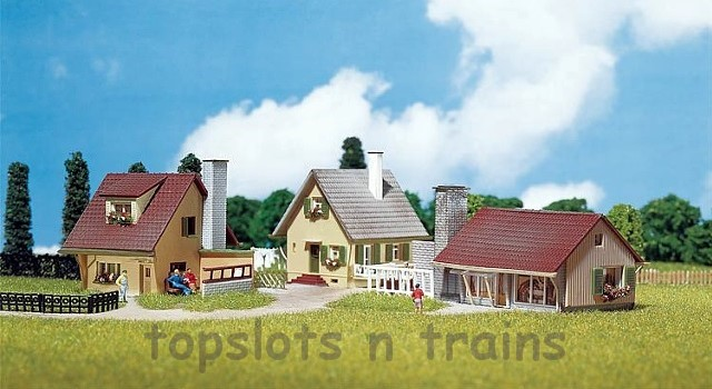 Faller 232221 N Scale Model Kit - 3 X DETACHED SUBURBAN HOMES