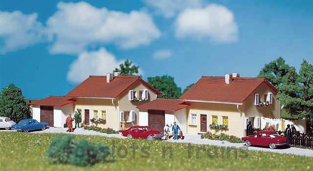 Faller 232222 N Scale Model Kit - 2 X DETACHED SUBURBAN HOMES