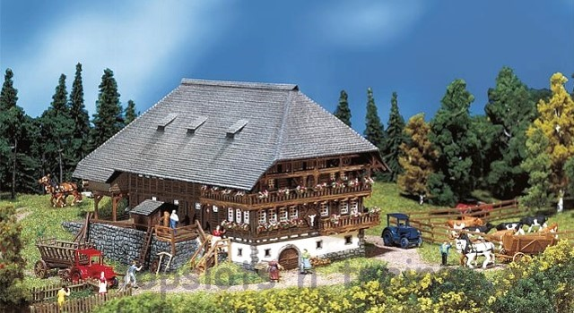 Faller 232258 N Scale Model Kit - BLACK FOREST FARMHOUSE AND FARMYARD - ERA I