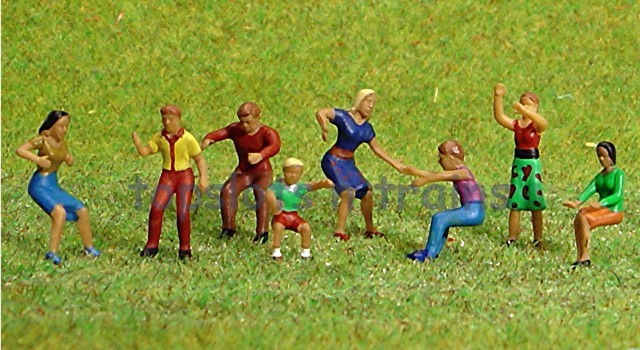 Faller 153050 HO/OO 1-87 Scale Figures - FAIRGROUND VISITORS X 8 FIGURE SET