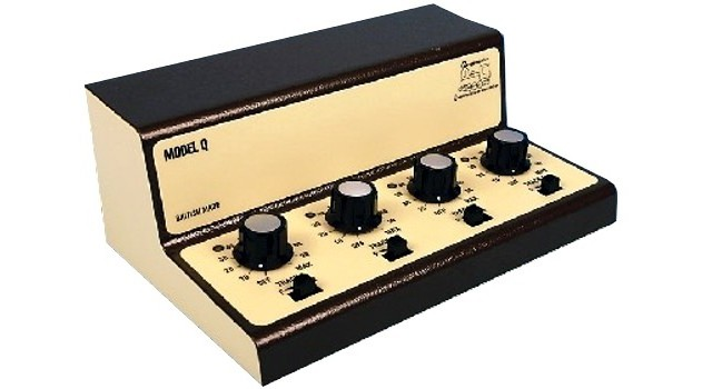 Gaugemaster GMC-Q ANALOGUE - MODEL Q FOUR TRACK CASED CONTROLLER