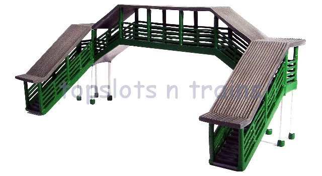 Hornby R9731 - COVERED PLATFORM FOOTBRIDGE