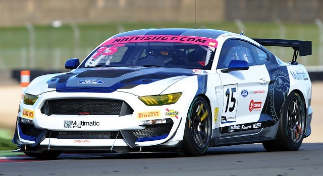 Scalextric C4173 - FORD MUSTANG GT4 BRITISH GT 2019 MAXWELL / PRIAULX
