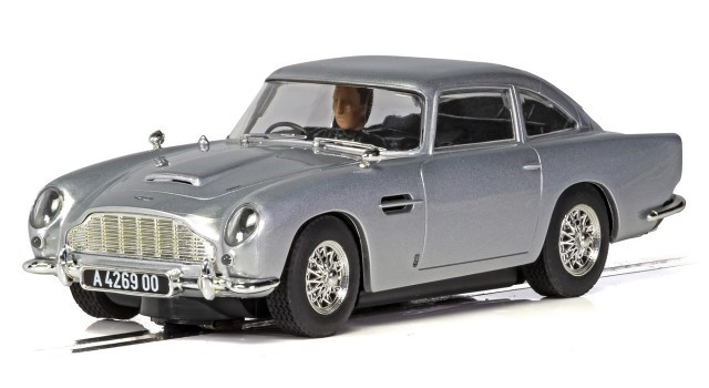 Scalextric C4202 - JAMES BOND ASTON MARTIN DB5 NO TIME TO DIE