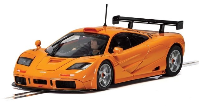 Scalextric C4102 - MCLAREN F1 GTR SHORT TAIL PAPAYA ORANGE